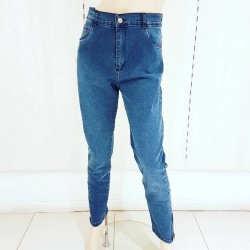Jeans elastizado azul...