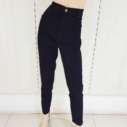 Jeans negro c/bolsillos...